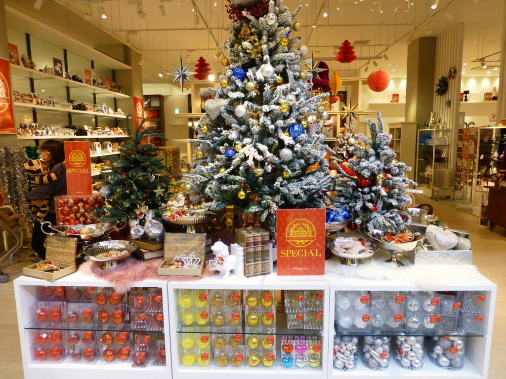 Japan Christmas.How To Spend Christmas In Japan Just Like Back Home