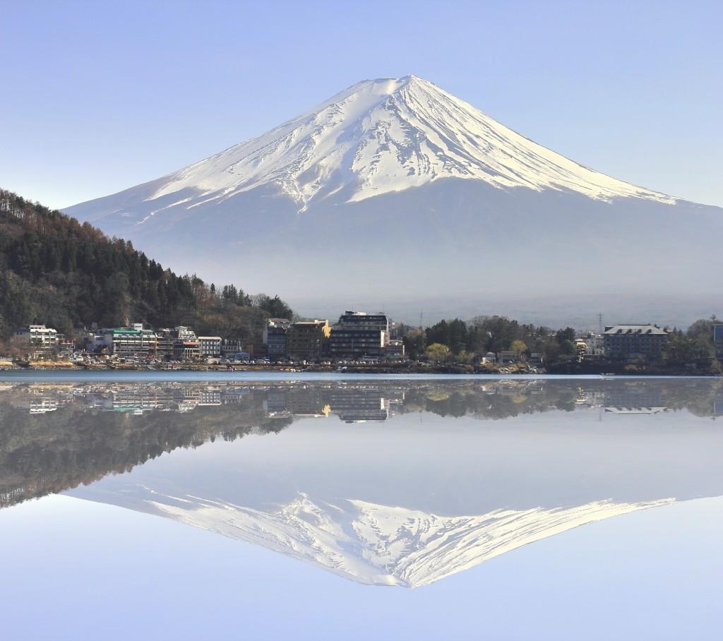 View of Mt Fuji from Lake Kawaguchiko, Yamanashi Prefecture