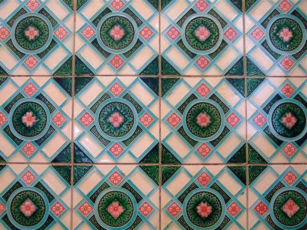 Sarasa Cafe Kyoto rose tiles