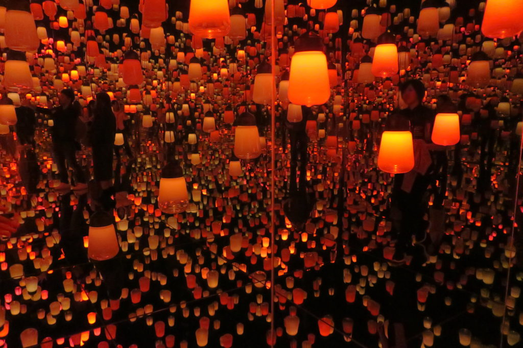 Teamlab borderless in Odaiba, Tokyo at the Mori Digital Art Museum Lamps