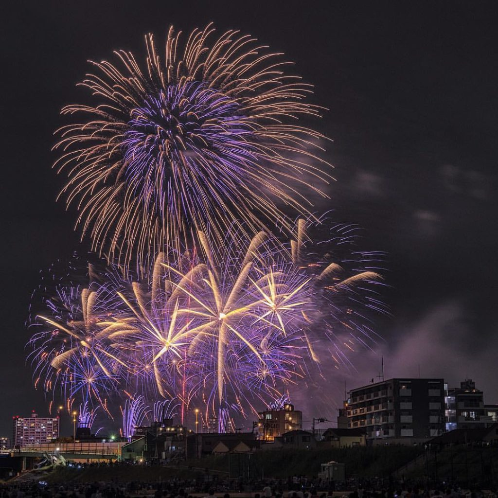 Ota-ku Peace Fireworks Festival along the Tama River